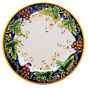 Deruta dinner plate, Vino Veritas pattern