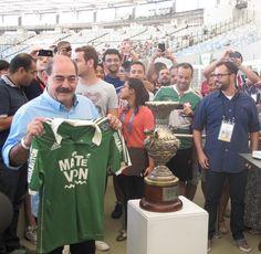 Rivelino Livro de Ouro Maracanã Fluminense x Corinthians (Foto: Fred Huber)