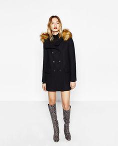 Image 1 de DUFFLE-COAT EN LAINE AVEC CAPUCHE EN FAUSSE FOURRURE de Zara