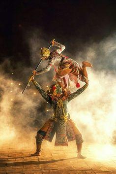 KHON DANCING _ PERFORMERS              by Sasin Tipchai