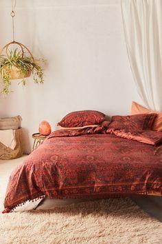 Red Bedroom Decor, Bedroom Vintage, Bedroom Ideas, Bedroom Inspo, Bedroom Black, Bedding Sets Online, Luxury Bedding Sets, Comforter Sets, Modern Bedding