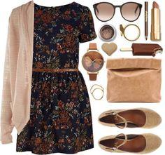 ¡No guardes tu vestido de verano! Puedes usarlo en otoño, siguiendo la tendencia de las capas (prenda sobre prenda) puedes evitar el frío y convertirlo en algo muy versátil.