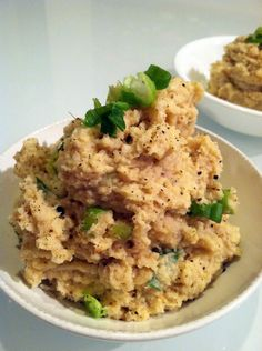 "Roasted Garlic Cauliflower Mashed ""Potatoes"" | Hummusapien"