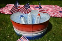 What are you 'makers' up to this #LaborDay? We love this Red, White & Blue Ombre Party Tub by @madincrafts! #USAMade