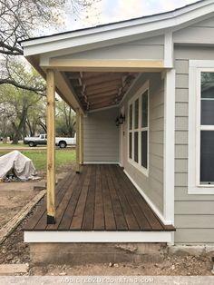 Finished Front Porch Floor (Wood Front Porch Built Over Existing Concrete Porch Fertige Veranda Bode Small Front Porches, Farmhouse Front Porches, Front Porch Design, Decks And Porches, Front Porch Deck, Front Porch Addition, Balcony Deck, Porch Designs, Concrete Front Porch