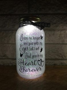 Cricut Discover Solar powered Glitter memorial mason jar - feel you in my heart forever light - remembrance gift - memorial lantern - mason jar decor Wine Bottle Crafts, Mason Jar Crafts, Mason Jar Diy, Diy Gift For Bff, Diy Gifts, Bff Birthday, Birthday Gifts, Birthday Quotes, Remembrance Gifts