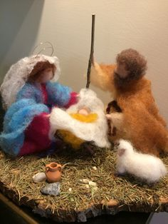 Needle felted Nativity Waldorf inspired Wool Christmas Nativity scene: Marie, Joseph and Jesus Soft sculpture Gift