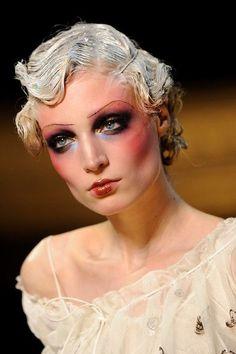 John Galliano Runway Paris Fashion Week Spring/Summer 2011 - Dior Makeup - Ideas of Dior Makeup - Makeup by the one and only Pat Mcgrath make-up: John Galliano Runway Paris Fashion Week Spring/Summer 2011 1920 Makeup, Vintage Makeup, Dior Makeup, Makeup Art, Beauty Makeup, Makeup Ideas, Flapper Makeup, Makeup Geek, Eyeshadow Makeup