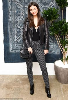 Victoria Justice wearing BCBG Leather Moto Jacket, Madewell Asheville Saddlebag, Madewell High-Rise Skinny Railroad Stripe Jeans in Sulfur Stripe and Alice + Olivia Valentina Bodysuit Victoria Justice Outfits, Victoria Dawn Justice, Vicky Justice, Striped Jeans, Female Stars, Hollywood, Looks Style, Hot Brunette, Star Fashion