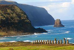 The beauty of Chile: Easter Island (Rapa Nui). Easter Island (Rapa Nui: Rapa Nui, Spanish: Isla de Pascua) is a Chilean Polynesian island in the southeastern Pacific Ocean. Easter Island is famous for its 887 extant monumental statues, called moai, created by the early Rapa Nui people. In 1995, UNESCO named Easter Island a World Heritage Site, with much of the island protected within Rapa Nui National Park.