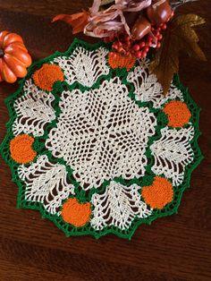 Crochet Pumpkin, Crochet Fall, Halloween Crochet, Holiday Crochet, Crochet Round, Free Crochet, Crochet Table Runner Pattern, Crochet Doily Patterns, Thread Crochet