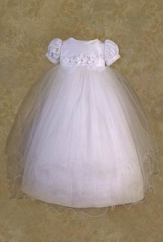 Cute Minimal Design, I would change the tule out for lace and remove the flowers and maybe add a cute colored waistband. Lace Christening Gowns, Baptism Gown, Baby Baptism, Girl Christening, Baptism Ideas, Blessing Dress, Baby Blessing, Cotton Slip, Special Occasion Outfits