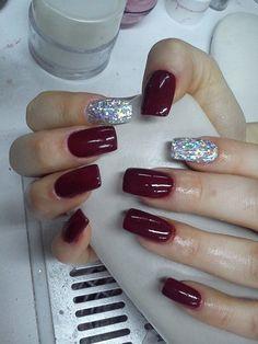 Attractive Acrylic Nail Polish Design for Girls