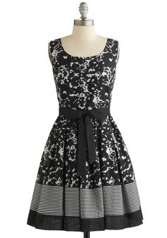 Inkwell and Good Dress. Whether you see tiny flowers or a confetti-covered sky in the abstract print of this blacksleeveless dress, youll feel oh-so pretty either way! #wedding #modcloth
