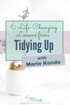 """Tidying Up with Marie Kondo"" is making waves around the world. But is it really worth watching? Here are 6 Life-Changing Lessons from Tidying Up. Declutter Your Home, Organizing Your Home, Organizing Tips, Living Simple Life, The Knack, Konmari Method, Marie Kondo, Tidy Up, Life Organization"