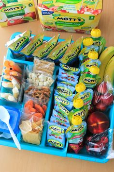 Back to School Lunch Box Packing Station - Kids lunch for school - Cold School Lunches, Back To School Lunch Ideas, Kids Lunch For School, Toddler Lunches, Snacks For School, Cold Lunch Ideas For Kids, Lunch Kids, Road Trip Essen, Kindergarten Lunch