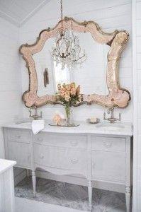 Ami lo stile #shabby? Segui i nostri suggerimenti per trasformare anche il #bagno in un ambiente romantico e dallo stile retrò! #design #shabbychic