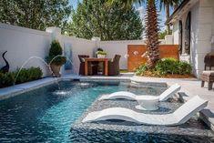 Small Swimming Pools, Swimming Pools Backyard, Swimming Pool Designs, Pool Landscaping, Modern Pool House, Pool House Decor, Modern Pools, Backyard Pool Designs, Small Backyard Pools