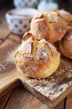 Patatas y rollitos de espelta: ¿Desayuno? Kenwood Cooking, Baked Rolls, Bread Bun, Pampered Chef, Bread Baking, Bread Recipes, Love Food, Bakery, Food And Drink