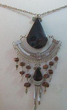 #Halskette mit einem #Anhänger aus #Alpakasilber und schwarzen Steinen, Folklore, Inka, Cheap Designer Handbags, Jewelry, Art, Accessories, Neck Chain, Silver, Handarbeit