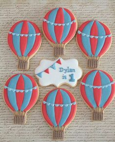 Hot air balloon cookies by Miss Biscuit Baby 1st Birthday, First Birthday Parties, First Birthdays, Baby Shower Balloons, Birthday Balloons, Balloon Party, Tea Cakes, Ideas Bautismo, Hot Air Balloon Cookies