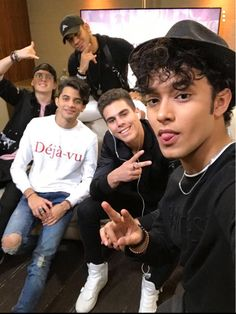 Que quienes somos..... CNCO......❤️ Latin Music, My Music, I Love You All, My Love, Cnco Richard, Memes Cnco, Latin Artists, Five Guys, Ricky Martin