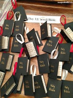 Housewife Eclectic: A Christ-Centered Christmas Craft Advent for Young Children