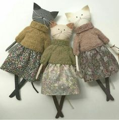 cute cats in clothes handmade stuffed animals, primitive plush animals, art dolls Personalized baby gifts Kids toys Stuffed toy Gift for sisters Bunny doll Fabric toy Rag doll Bunny plush Bunny Rabbit Sisters - Salvabrani Knitting Patterns Jumper Cats in Fabric Toys, Fabric Crafts, Sewing Crafts, Sewing Projects, Paper Toys, Sew Toys, Diy Projects, Fabric Animals, Crochet Animals