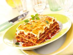 Garfield knows why he love it! (Lasagne)