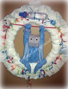 Diaper Wreaths | Gotta get a Diapercake - Diaper Wreath Diaper Wreaths are a Wonderfull ... Baby Shower Diapers, Baby Shower Gifts, Baby Gifts, Diaper Wreath, Diaper Cakes, Wreath Ideas, Yule, Washing Clothes, Baby Things