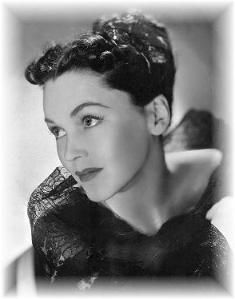 Maureen O'Sullivan played Jane in Tarzan - then Maureen O'sullivan, Beautiful People, Beautiful Women, Mary Pickford, Old Hollywood, Classic Hollywood, Classic Movies, Style Icons, Actors & Actresses