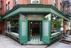 Mathilde skriver: My spot i NYC er Brooklyn Heights! Mange mange gode steder at tjekke ud. Prøv River Deli. Skøn lokal italiensk restaurant med gode sager på det enkle menukort, ingen turister og et stenkast fra den smukkeste udsigt over Manhattan. River Deli, 32 Joralemon St, Brooklyn, NY 11201