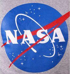 👩🚀 . ✅15% de RABAIS sont OFFERTS sur votre PREMIÈRE COMMANDE . ✅Copiez le Code de Réduction de 15% : EMEANEQXSB41 Vous le saisirez lors de votre passage à la caisse Le rabais est valable sur toute la boutique  Sous licence officielle NASA  💥Suivez-nous @iprintstar💥  #nasa #nasa🚀 #modefrancaise #modefr #modeparisienne #modeparisiennne #goodies #goodiesmurah #parisgoodies #lovingmygoodiesfromparis #goodiesfrance #tshirtdesign #tshirtstore #tshirtprint #tshirtparis #paristshirt #tshirt Paris T Shirt, Nasa, Licence, Boutique, Sweat Shirt, Grunge, Kids Rugs, Logos, Shirts