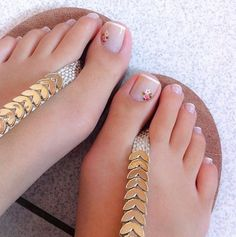 cutest Toe Nail Art Designs For This Summer Simple Toe Nails, Pretty Toe Nails, Cute Toe Nails, Cute Toes, Pretty Toes, Toe Nail Art, Pretty Pedicures, Painted Toes, Feet Nails
