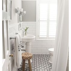 ...feeling a tile obsession coming on. @roomfortuesdayblog has me giddy. #checkoutthatfloor #pinteresting #roomfortuesday