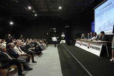 ETNAFIERE: INAUGURATO UN CENTRO EXPO NEL CUORE DELLO SHOPPING DI ETNAPOLIS. Maggio 2012