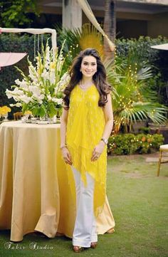 532 Best Yellow Mehndi Dress Images Indian Gowns Indian Fashion