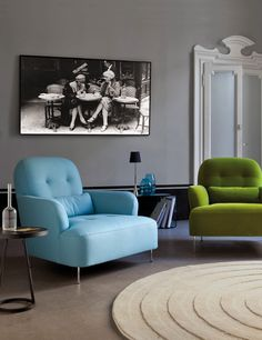 Plácido - comfortable contemporary French - The picture in the back is an ideal set up, can be group or individual seating