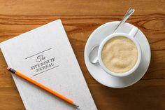 Die Morgenroutine ist ein mächtiges Instrument um seinen Alltag in den Griff zu bekommen. Hier sind unsere 5 effektivsten Tricks für einen mühelosen Morgen!