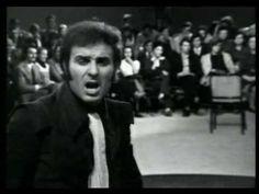Miki Jevremović - Muzika nek svira samo za nju