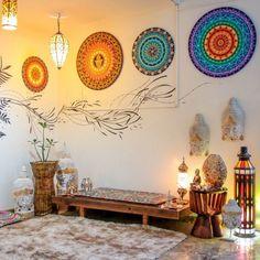 Reading Room Decor, Meditation Room Decor, Meditation Corner, Meditation Space, Home Yoga Room, Zen Room, Feng Shui Na Sala, Indian Inspired Decor, Jesus Artwork
