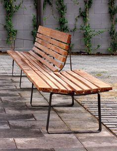 Bilateral bench designed by Julià Espinàs and Olga Tarrasó for @santacole