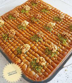 """Instagram'da Mukemmellezzetler: """"#Repost @yildizli_lezzetler ・・・ Hayirli ve huzurlu bir aksamlar canlarim 🤗size cok kolaylikla yapabileceginiz #nevzinetatlısı tarifim var…"""" Fish And Meat, Fish And Seafood, Turkish Recipes, Italian Recipes, Breakfast Recipes, Dessert Recipes, Desserts, Turkey Today, Turkish Sweets"""