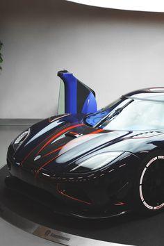 Visit The MACHINE Shop Café... ❤ The Best of Koenigsegg... ❤ (Koenigsegg Agera R Supercar)