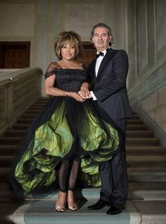 Giorgio Armani dressed Tina Turner and Erwin Bach for their wedding, which took place on the evening of Sunday July at their home in Zurich, Switzerland. For the occasion, Giorgio Armani also created custom designs for the bridesmaids and the witness. Wedding Dress Fails, Celebrity Wedding Dresses, Celebrity Weddings, Wedding Album, Wedding Outfits, Tina Turner, Giorgio Armani, Celebrity List, Celebrity Couples