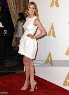 Rosamund Pike arrives at the 87th Academy Awards Nominee Luncheon at The Beverly Hilton Hotel on February 2, 2015 in Beverly Hills, California.