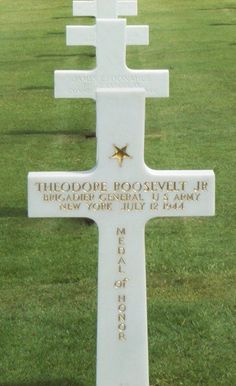 Roosevelt's grave in Normandy via commons.wikimedia.org D Day Normandy, Normandy France, Us History, American History, Theodore Roosevelt Jr, Marine Corps Humor, D Day Beach, 4th Infantry Division, D Day Invasion