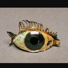 Occhio di statua greca - 1000 - 500 a.C. - Arte arcaica - Marmo, ossidiana, vetro e rame - conservata al Malibu Museum