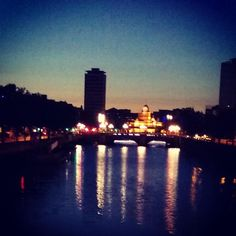 Night Photography, Nightlife, Dublin, Something To Do, New York Skyline, City, Travel, Instagram, Viajes