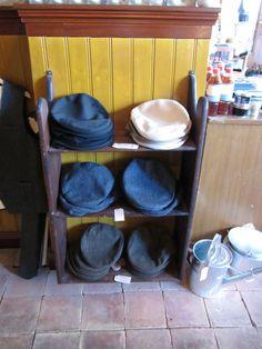 #kasket #kasketter #caps #herremode #herrestil #mensunivers #tibberuphoekeren #smallshopkeeper #hoekeren